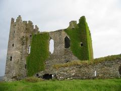 Ireland_Ballycarbery_Castle.jpg